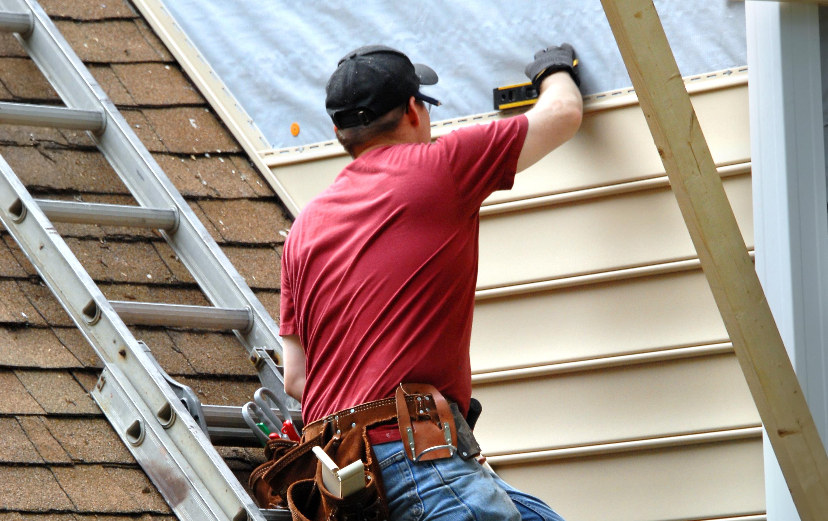 Siding Contractor Omaha NE - Emerald Roofing