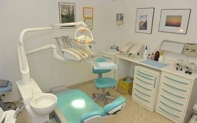 la sala  di uno studio dentistico
