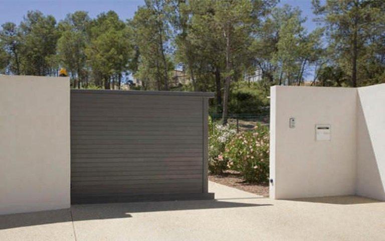 Installazione cancello automatico a battente