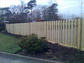 garden-fencing-macclesfield-cheshire-stockport-fencing-garden-fencing