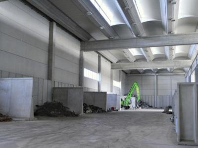 magazzino rottami ferrosi