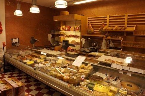 vendita salumi e formaggi