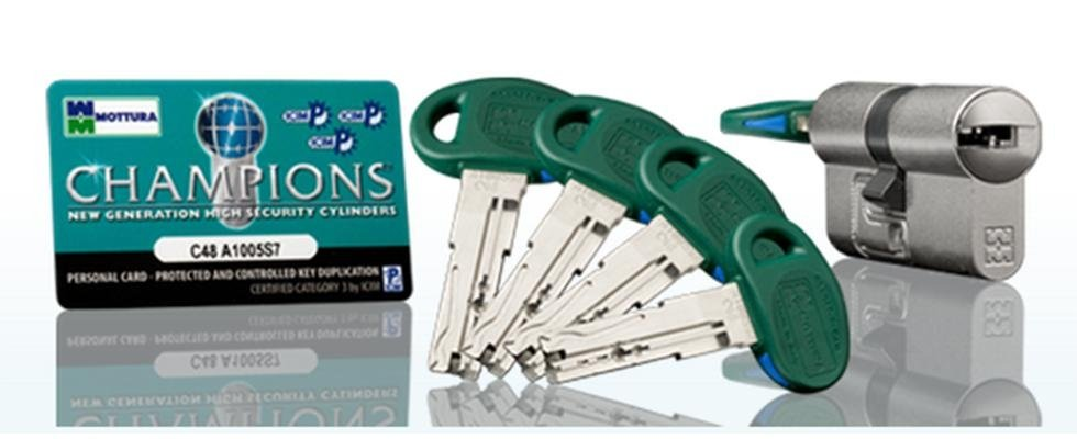 Serrature, lucchetti e chiavi