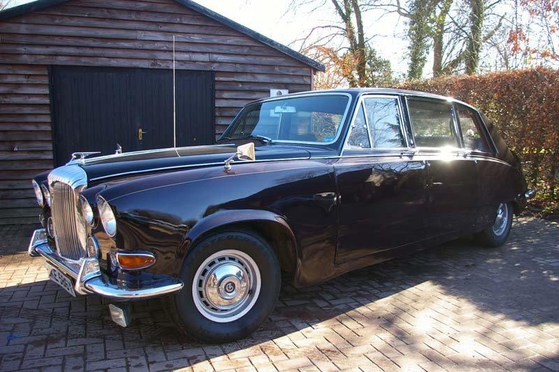 Black DS420 limousine
