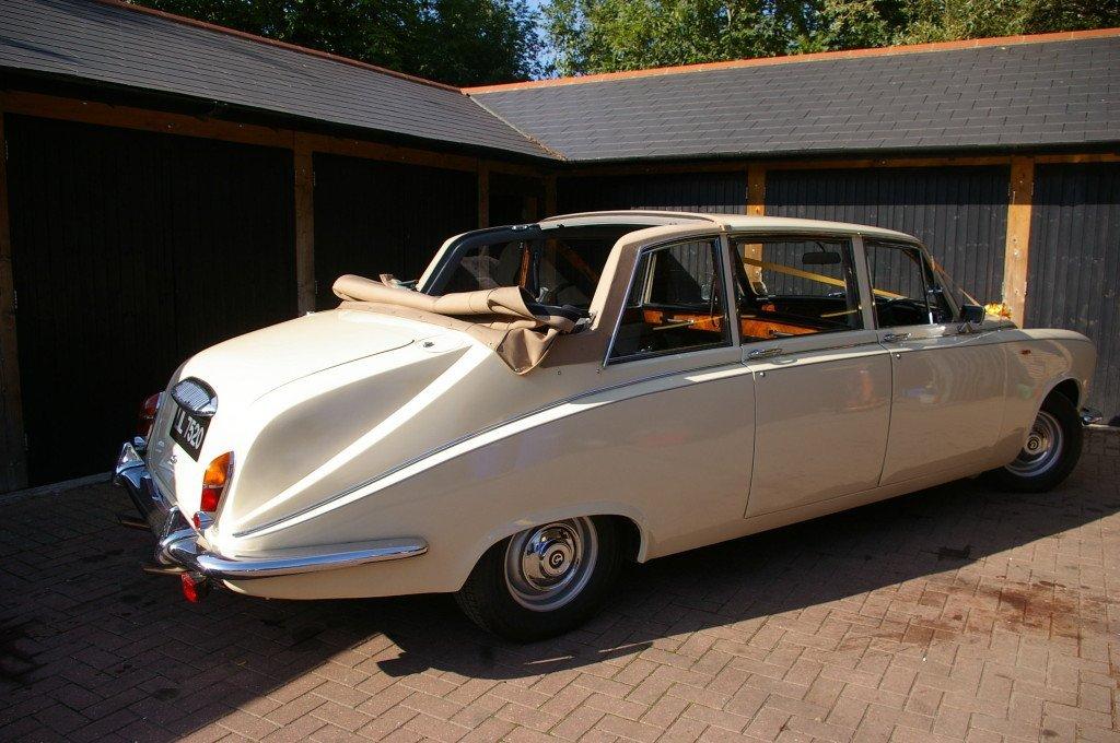 Ivory colour DS420 car