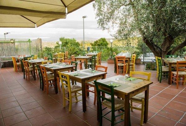 Ristorante pizzeria con terrazza estiva, Scandicci, Firenze