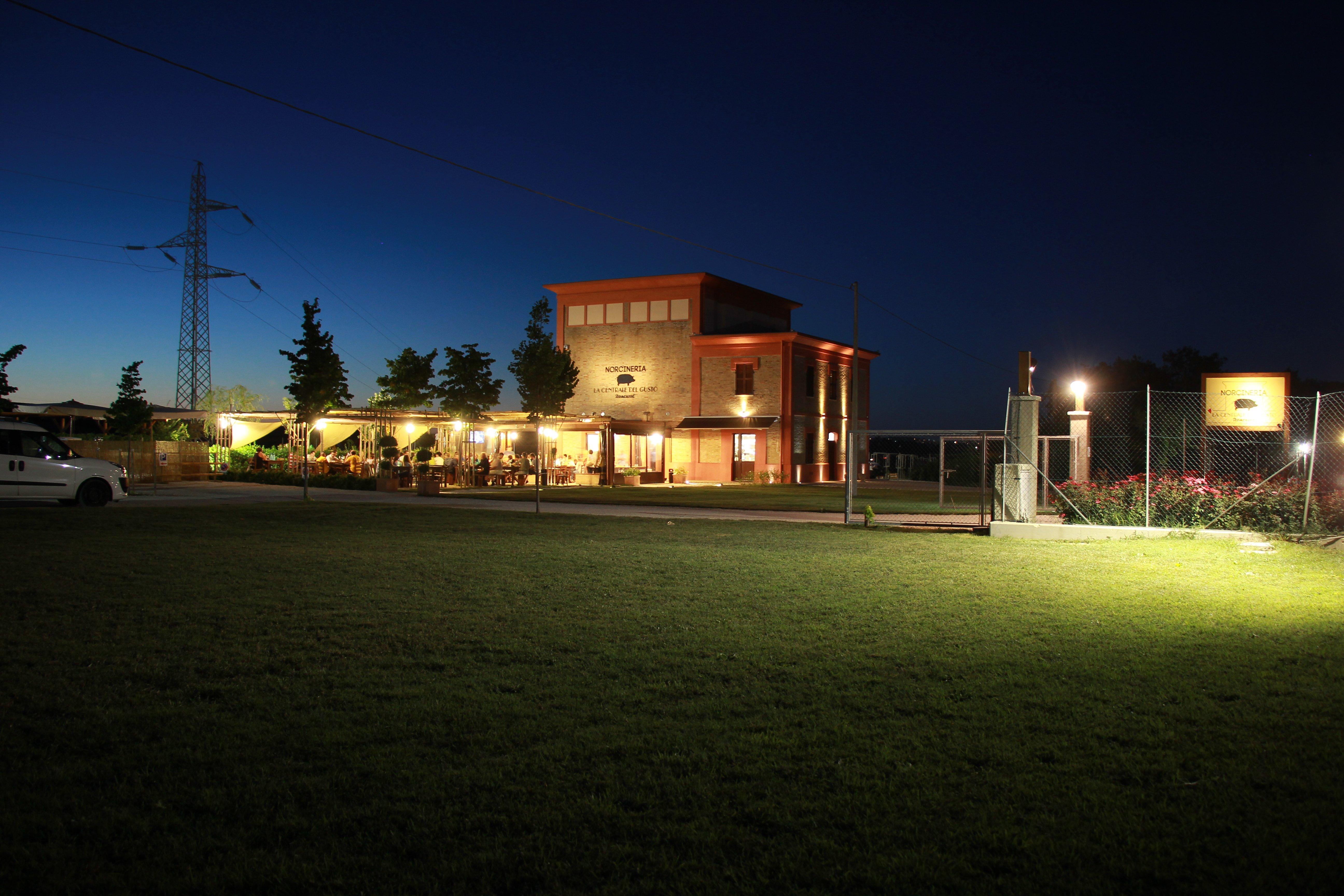 Norcineria - La Centrale del Gusto presso Urbisaglia (MC)