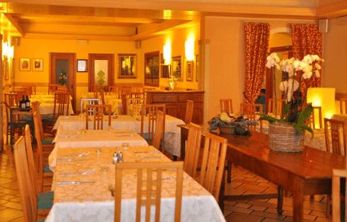 atmosfera sala interna ristorante