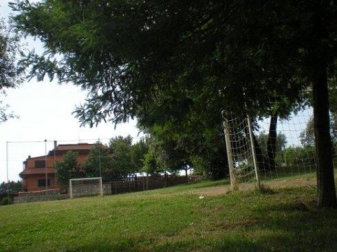 agriturismo con campo da calcio