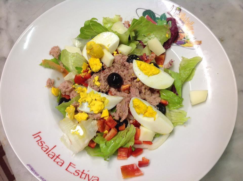 insalata con uova e tonno