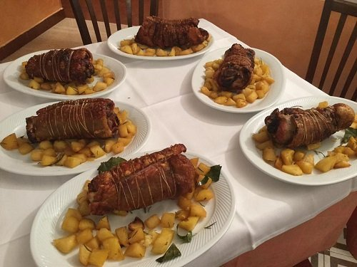 piatti di carne con patatae