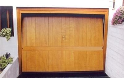 porta garage in legno su misura Pisa