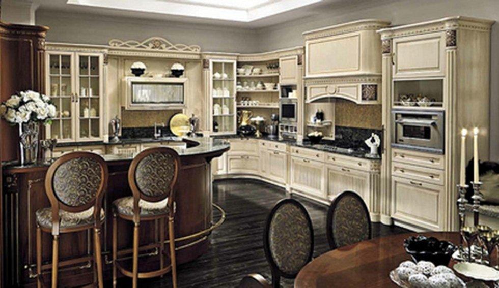 cucina classica marrone e beige