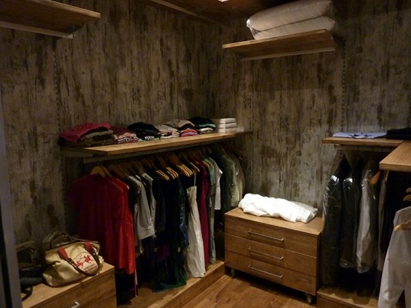 fitted dressing rooms