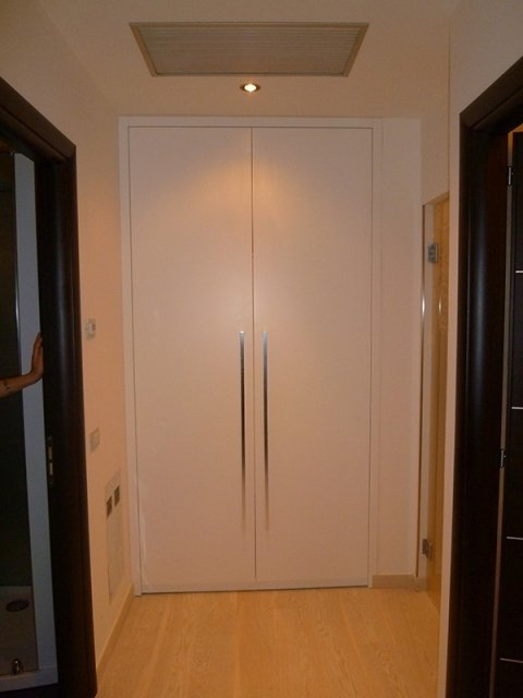 Fitted wardrobe unit