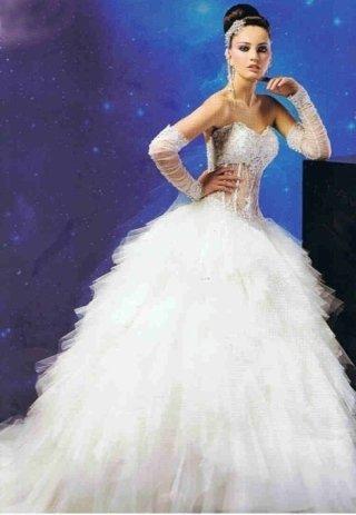 abito da sposa con gonna in organza, atelier sposa Barrafranca, atelier sposi Barrafranca