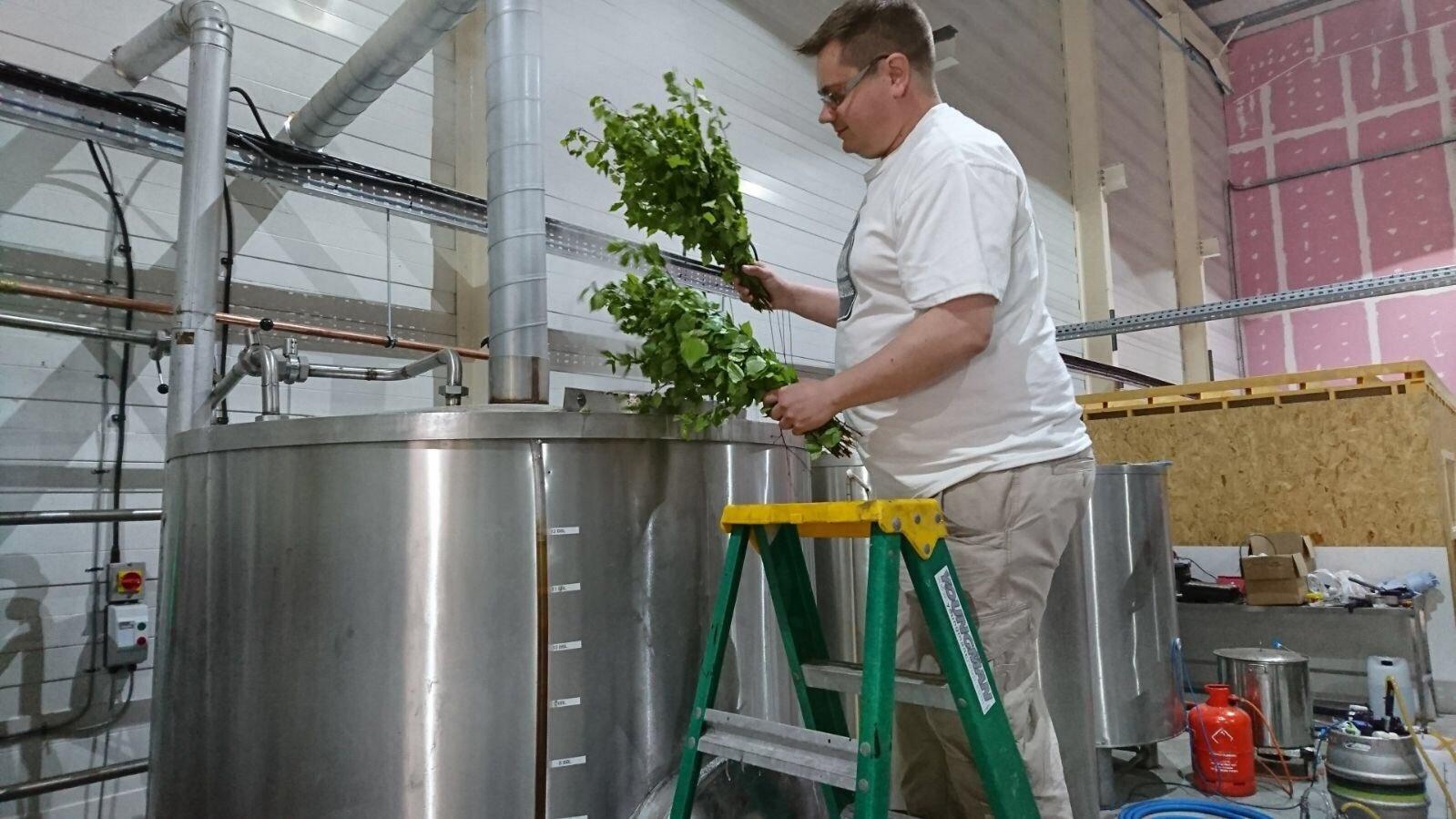 alechemy brewing maku collaboration nordic beer birch leaves craft beer mash tun