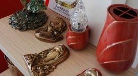 urne, articoli funebri in metallo, lumini