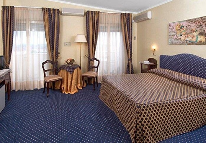 camera doppia, camera singola, camera con aria condizionata