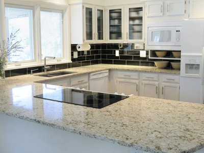 Quartz Worktops and Granite Worktops for Practicality