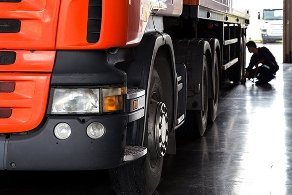 riparazione camion