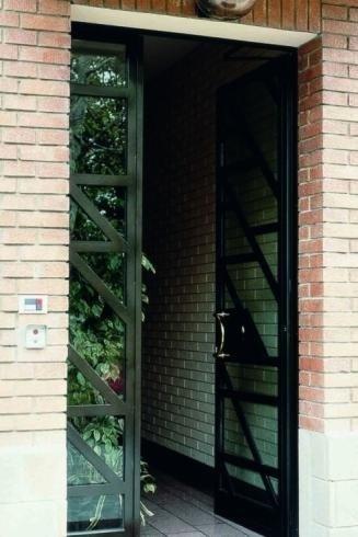cancello ferro e vetri