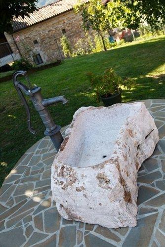piccola fontana per arredo giardino