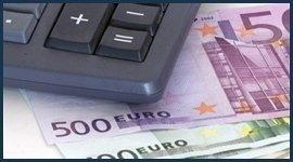 calcolatrice e banconote