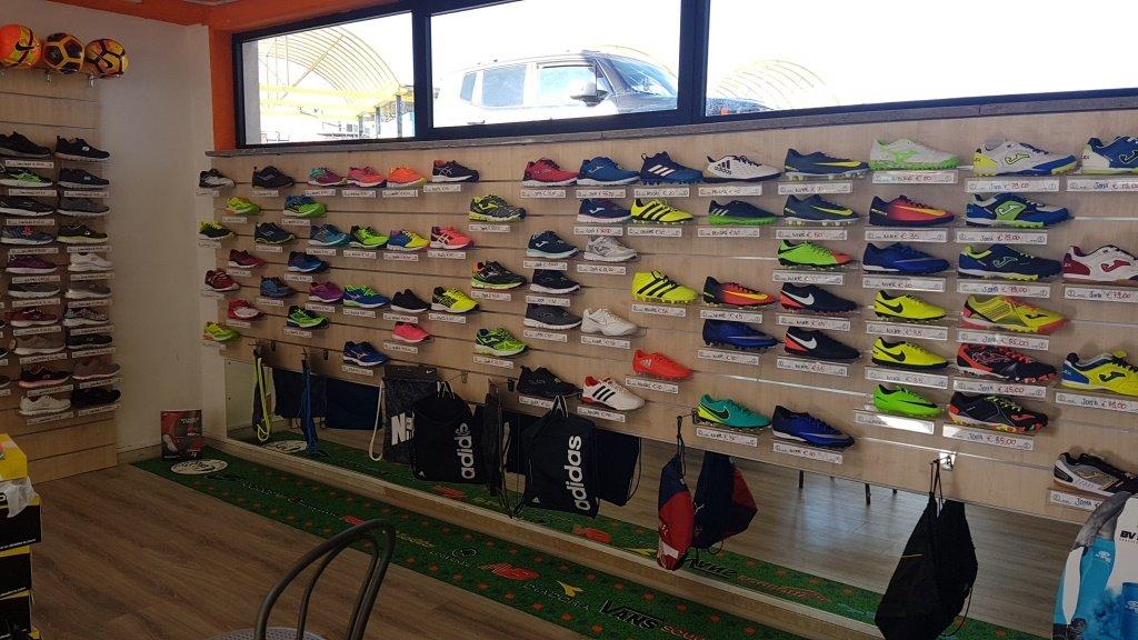 scarpe sportive, calzature sportive, Viterbo