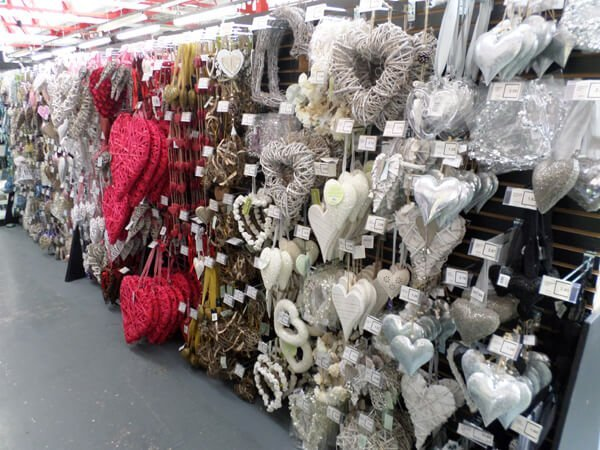 The Wholesale House >> Buy artificial flowers wholesale in Walsall, Midlands