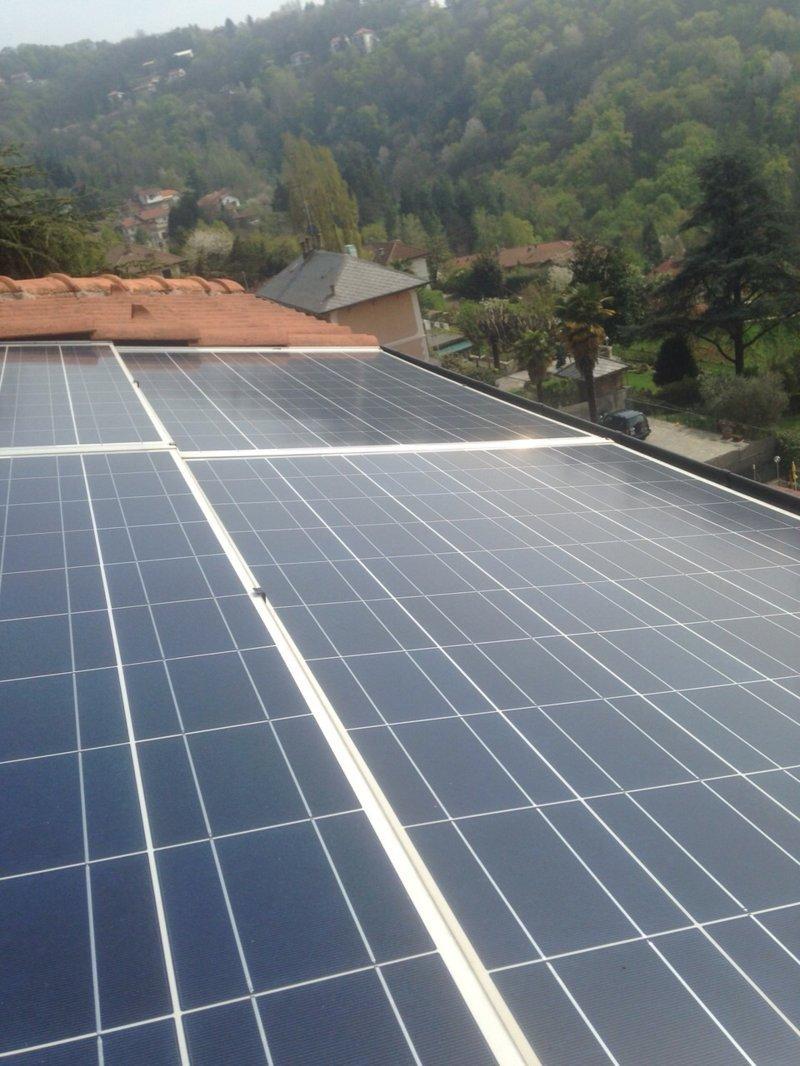 Pannelli solari e vantaggi ambientali a Torino