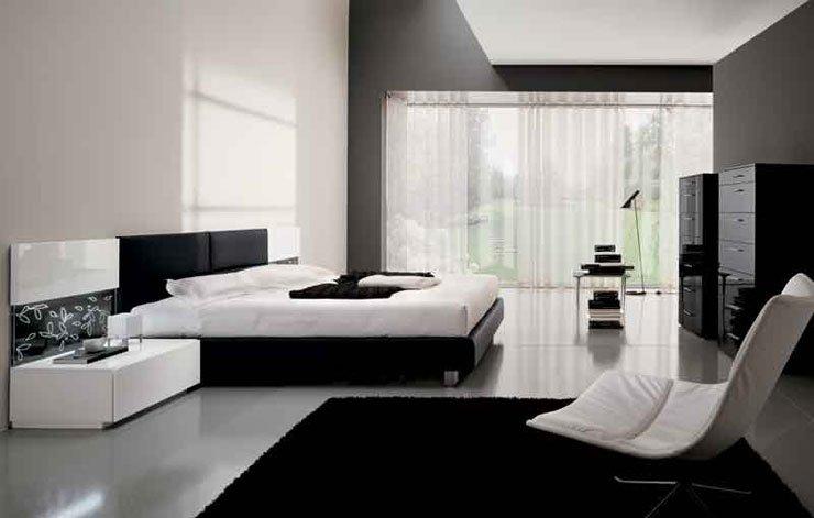 Letto bianco con struttura nera