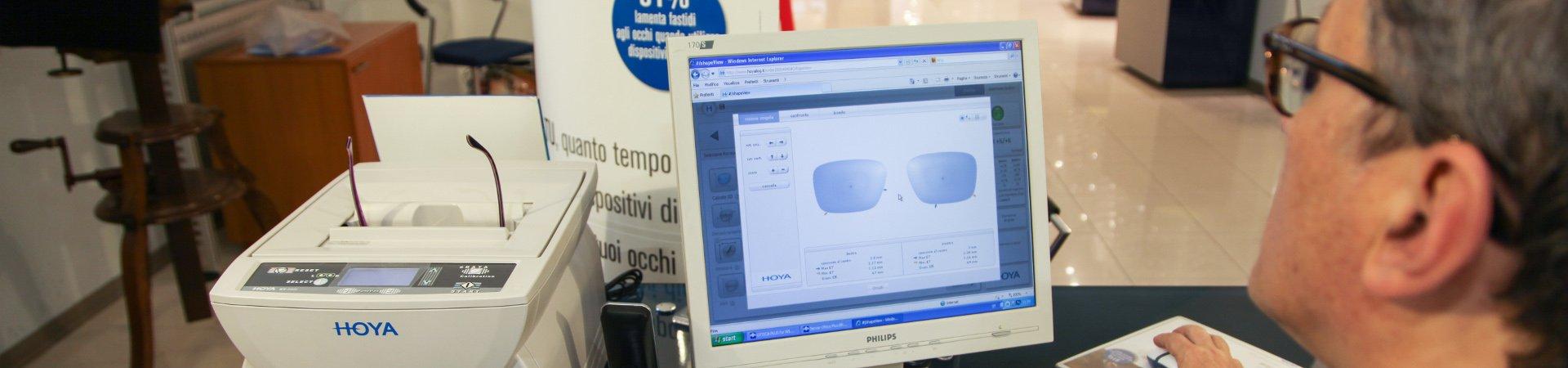 controllo ottico occhiali numero sul computer