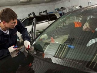 sostituzione vetri e cristalli auto