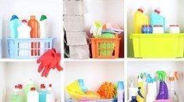 pulizia dei mobili, pulizia dei pavimenti, pulizia del bagno