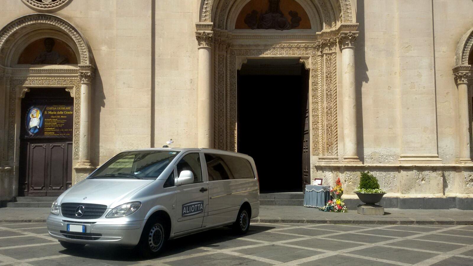 auto funebre