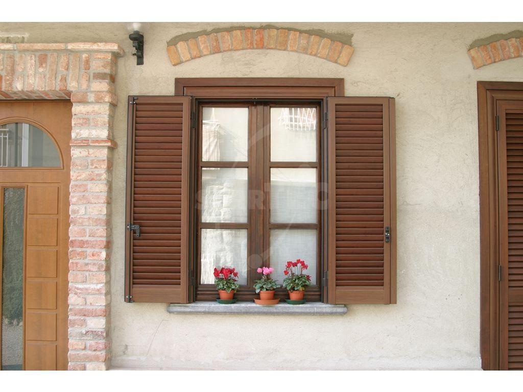 finestra in stile classico