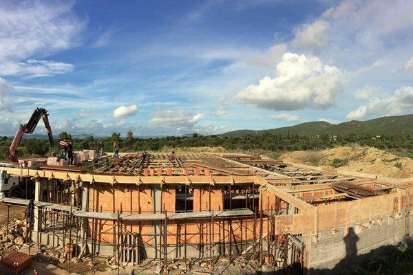 vista frontale lavorazioni edilizie
