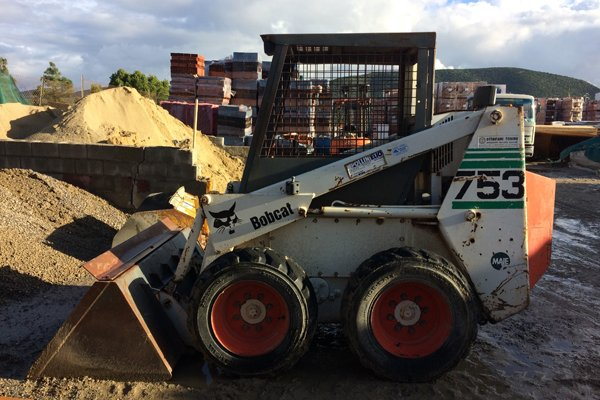 macchina operatrice per lavorazioni edili