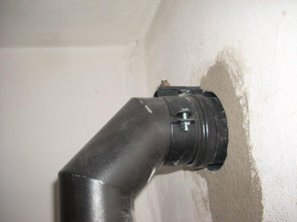 Canotto passaggio muro con staffa fissaggio tubo