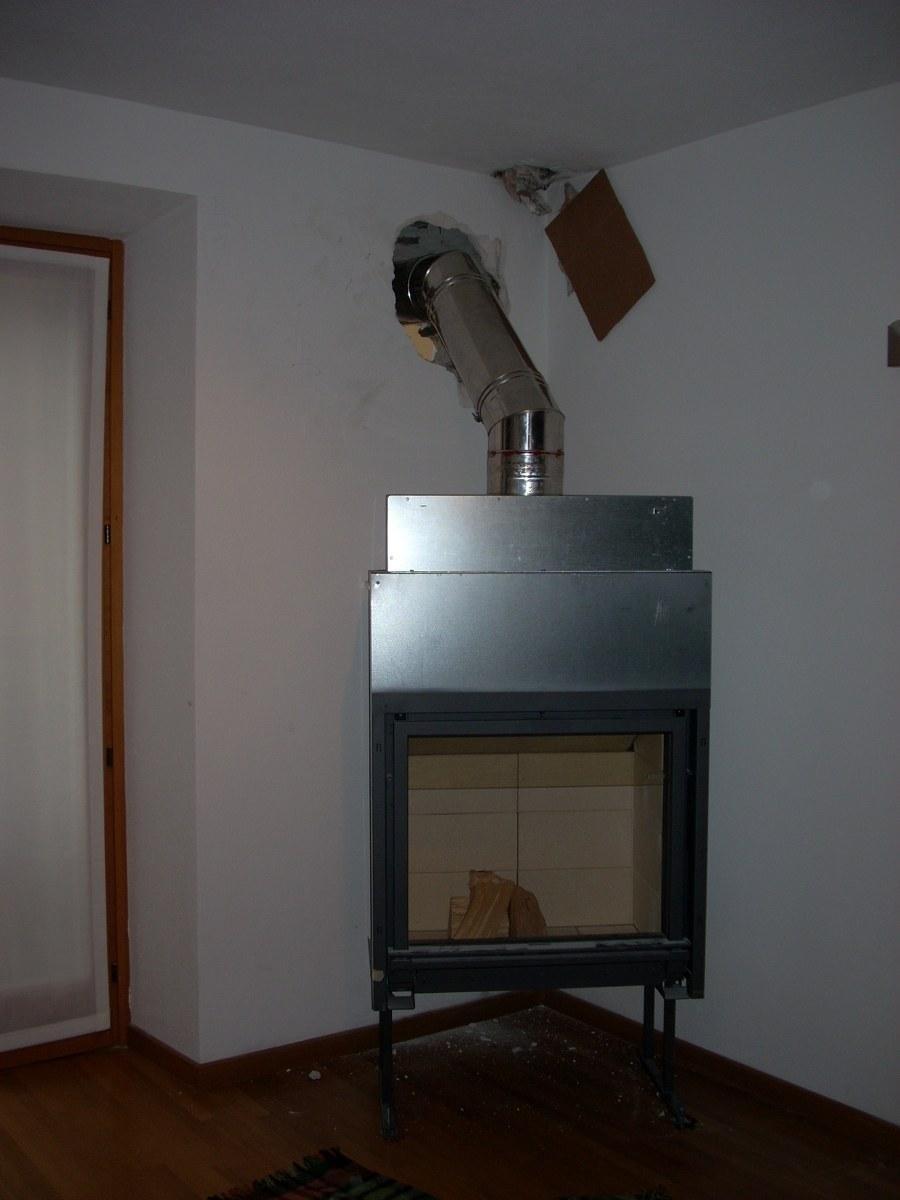 Inserto a legna ventilato completo di canalizzazione aria