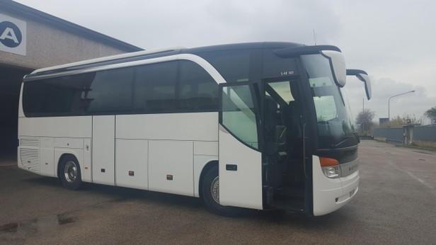 autobus per trasporti