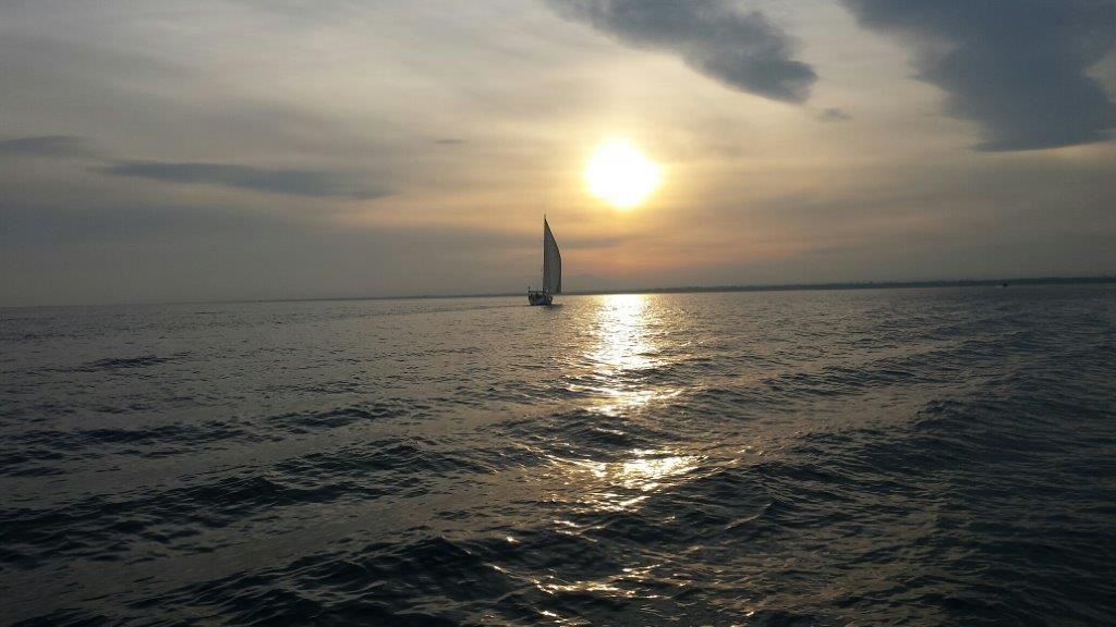 panorama del mare al tramonto