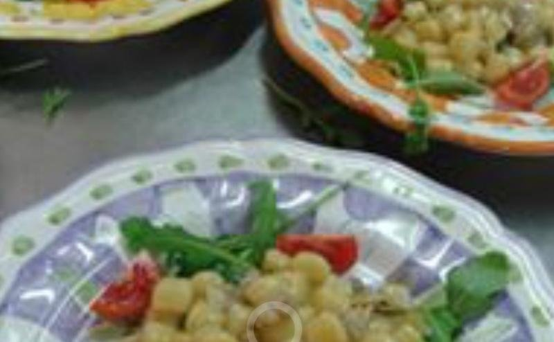 piatti di pasta con verdure