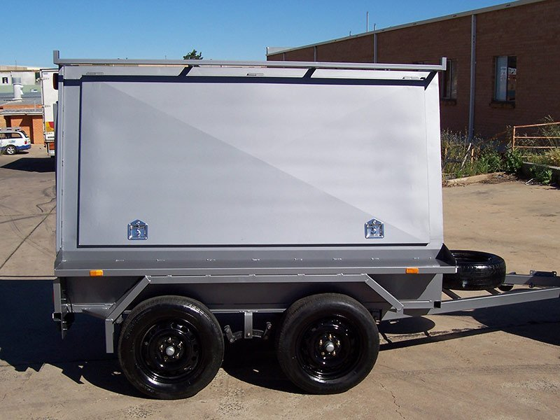 better trailers small light coloured trailer