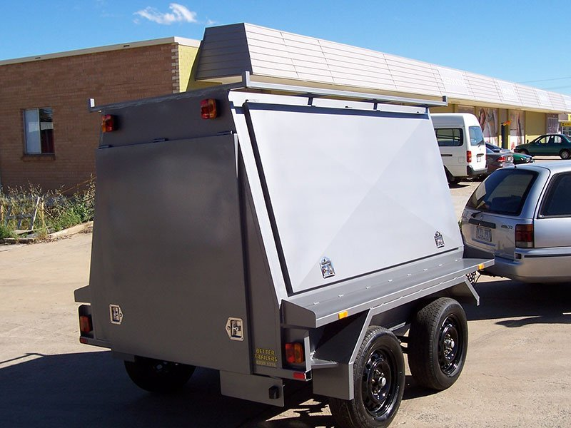 better trailers small light coloured trailer with truck