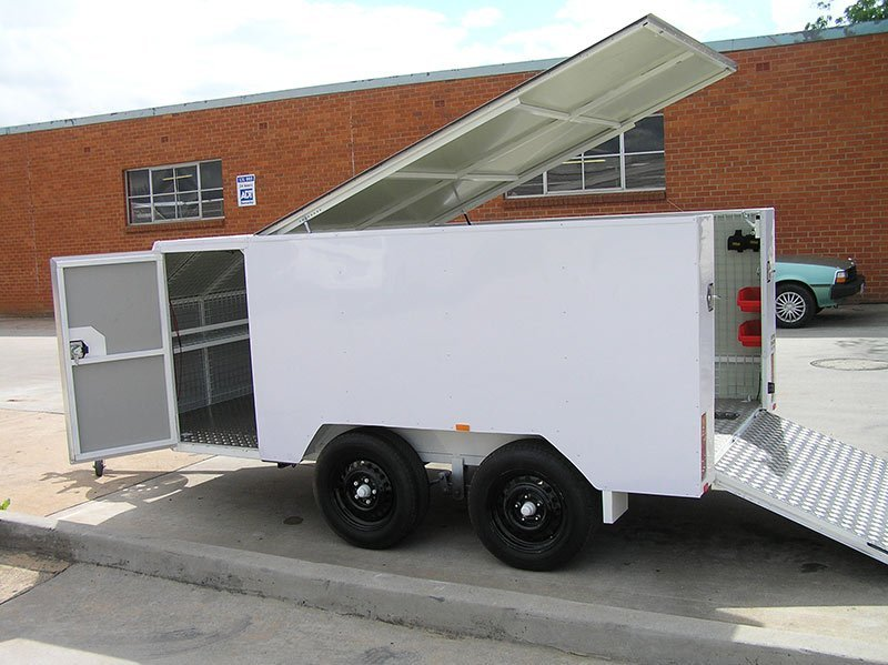 better trailers white trailer with all doors opened