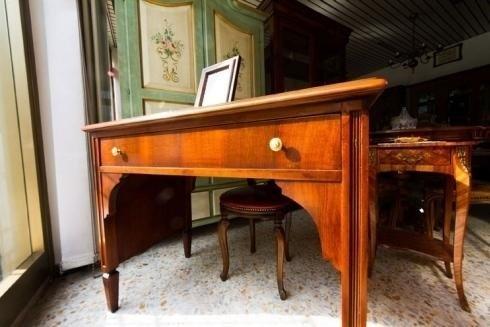 mobili in legno massello