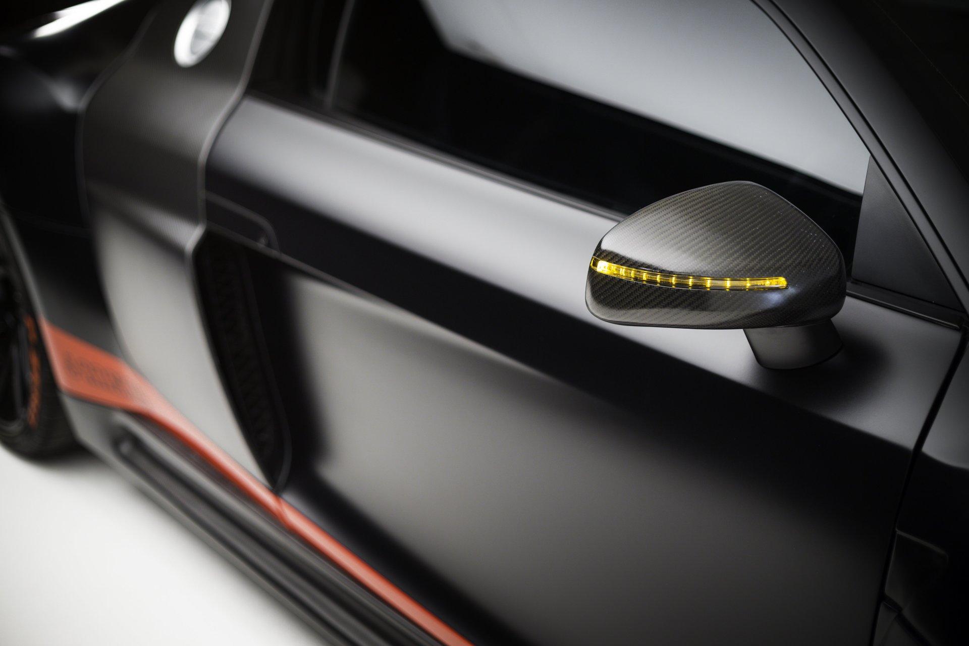 Carbon fiber body