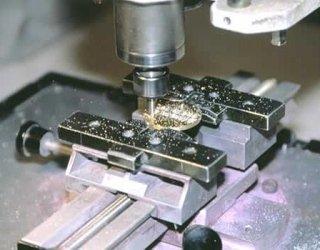 laboratorio di incisione per trofei, targhe e medaglie